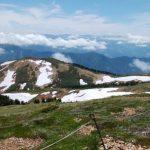 雪渓の縞模様がすばらしい